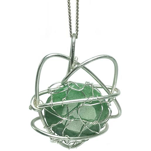 emerald jewellery in heart shape with oval faceted