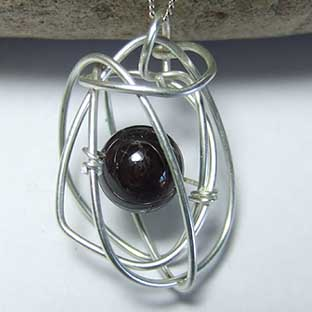 unusual garnet jewelry