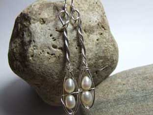 pearl elegant drop earrings