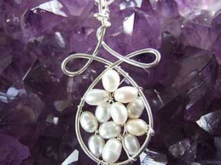 feature pearl pendant for bride