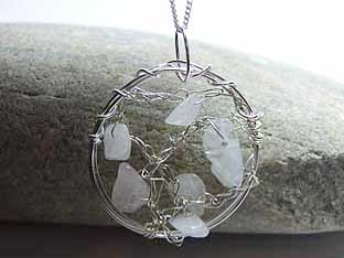 round rose quartz jewellery