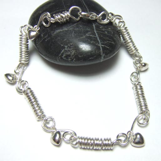 handmade lsilver links bracelet with heart charms